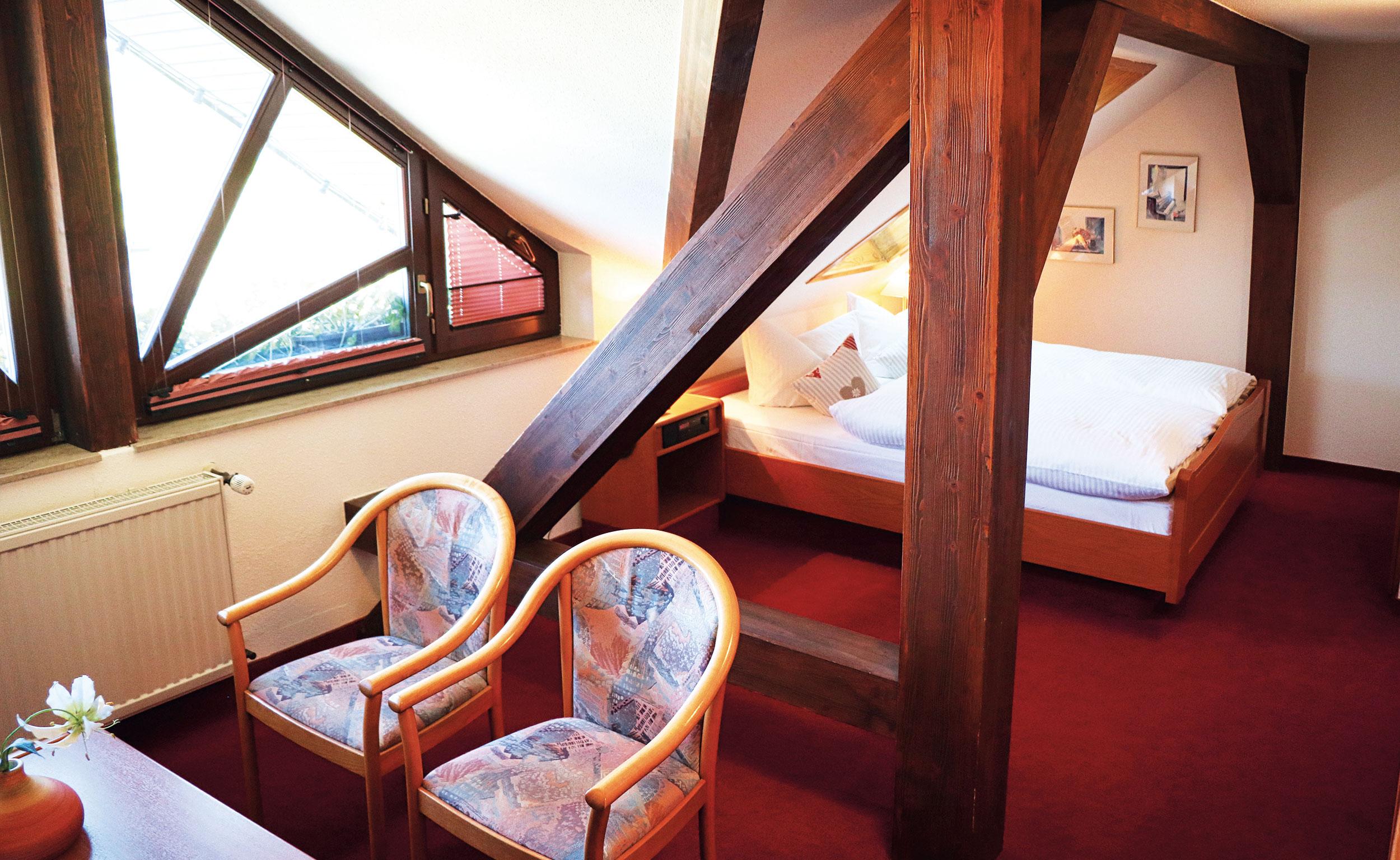 Komfortzimmer im Dachgeschoss Landgasthof